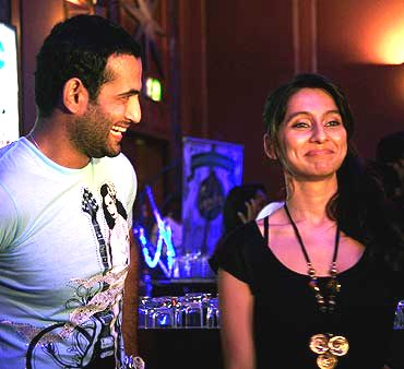 Irfan Pathan & Anusha at an IPL after party
